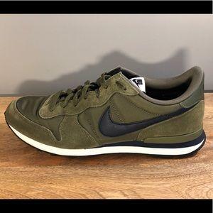 Nike Internationalist - Olive - sz 13